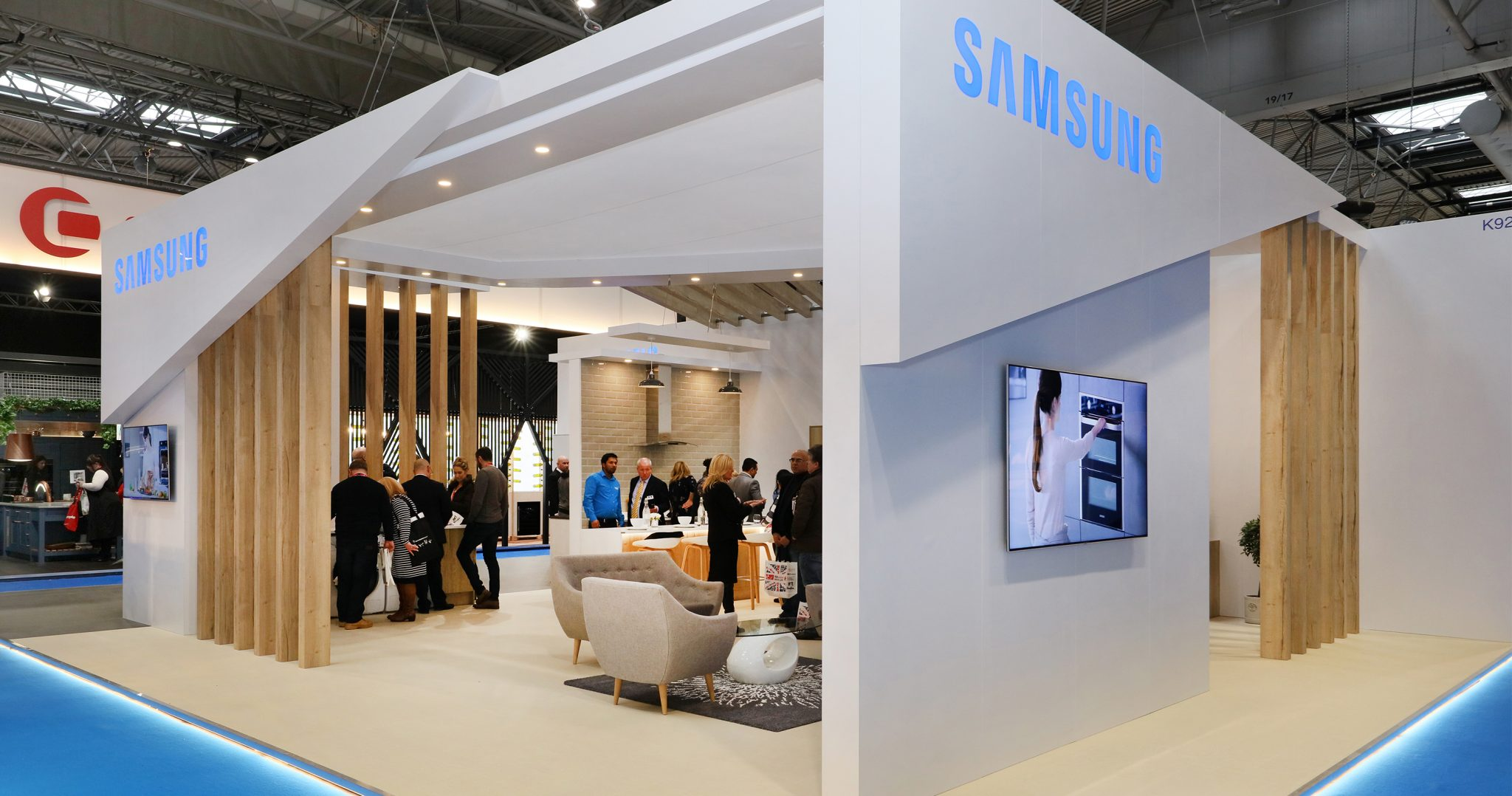 Exhibition Stand Photos : Samsung exhibition stand extreme extreme